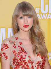 Taylor Swift Long Wavy Hair with Bangs (Sourcewill.com) Tags: celebrity beauty waves wig wigs hairstyle fashiontrend humanhairwigs fulllacewigs trendyhairstyle celebritywigs celebritylacewigs celebrityshairstyle