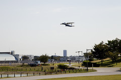 A SMALL AIRPORT, SOME PARKS AND CLOUDS - XXXVIII (Jussi Salmiakkinen (JUNJI SUDA)) Tags: park wood autumn sky cloud japan airplane landscape tokyo airport cityscape aircraft     chofu