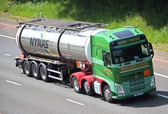 VOLVO FH - HARRY LAWSON Broughty Ferry Angus (scotrailm 63A) Tags: trucks tankers lawson lorries
