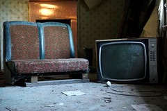 2016-06-21_01-16-10 (Kyle Dowling) Tags: urban house abandoned television tv chair seat exploring cottage damned urbanexploring urbex houseofthedamned
