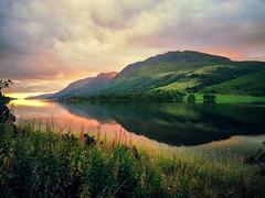 Burning sky of Scotland (Sannou In The Middle) Tags: uk sunset water colors scotland highlands eau unitedkingdom couleurs samsung extrieur coucherdesoleil ecosse royaumeuni exterieur samsunggalaxys3