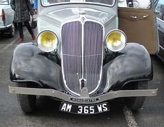 Renault Monaquatre 2 tons de gris (gueguette80 ... non voyant pour une dure indte) Tags: old mars cars renault exposition autos bourse 2012 arras twotone anciennes franaises monaquatre deuxtons