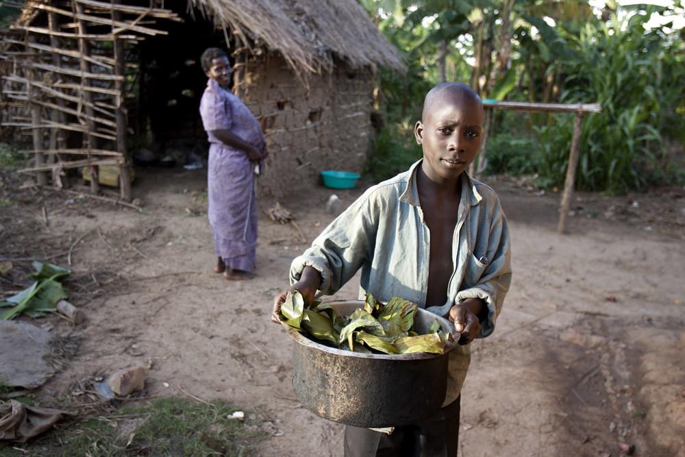 africa-uganda-joseph-food