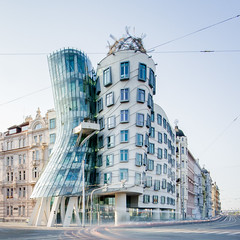 Prag | Dancing House (Philipp Gtze) Tags: morning sunrise prague prag praha frankgehry dancinghouse tanzendeshaus
