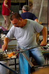 Murano's Glassmaker (PabloClavo) Tags: italy glass pentax murano artisan glassmaker k100d tamron1755 justpentax