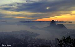 Nvoa Matinal - Rio de Janeiro (mariohowat) Tags: riodejaneiro sunrise natureza podeaucar nascerdosol enseadadebotafogo mirantedonamarta mygearandme mygearandmepremium mygearandmebronze mygearandmesilver mirantesriodejaneiro