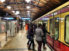 (berlinka_lg) Tags: berlin station germany underground subway wagon deutschland cityscape metro transport streetphotography bahnhof ubahn sbahn publictransport iphone iphonegraphy berlinkalg