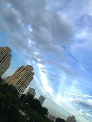 Sky (ms.dhanmoti) Tags: sky cloud building singapore hdb opensky