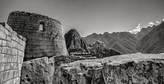 Sonnentempel mit Huayna Picchu im Hintergrund (Photographische Einblicke) Tags: peru machu picchu machupicchu reise leicamp