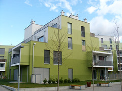 wohnhausanlage erz, wien, 2011, 03 (mcorreiacampos) Tags: verde austria balkon architektur viena varanda contemporaryarchitecture habitacao wohnbau