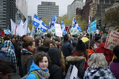 Manifestation pour les biens communs (Frdric Sultan) Tags: montreal commons 22avril dayoftheearth bienscommuns