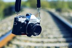 Praktica. (Yavanna Warman {off}) Tags: film analog canon vintage eos 50mm analógica dof bokeh cam retro cameras f18 praktica carrete pdc cámaras analogcamera milde yavanna cámaraanalógica 1000d yavannawarman