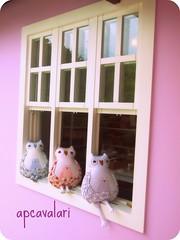 Janela de arte (AP.CAVALARI / ANA PAULA) Tags: owl coruja ateliê arteemtecido anapaulacavalari owlfélia apcvalari