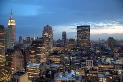 Empire State building - New York City (KP Tripathi (kps-photo.com)) Tags: newyorkcity skyline downtown dusk manhattan hilton midtown hudsonriver empirestatebuilding 美国 时代广场 紐約 タイムズスクエア canoneosmarkiii ニューヨークシティ 뉴욕시 thànhphốnewyork न्यूयॉर्कशहर 타임스광장 泰晤士廣場 مدينةنيويورك นิวยอร์กซิตี้ kptripathi