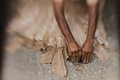 Peles/ Skins (Lucille Kanzawa) Tags: brazil leather brasil hands tanning mos couro curtume tannage sertodepernambuco hinterlandofpernambuco