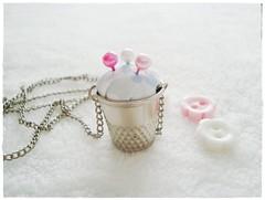 Colar dedal agulheiro =) (Entre Feltros e Tecidos) Tags: craft colar costura dedal agulheiro colardedalagulheiro