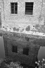 Falsa identit (Alessandro Borrini) Tags: italien italy reflections italia riflessi lombardia rudere viboldone