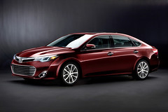 2013 toyota avalon video