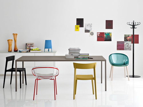 Catalogo news Calligaris estate 2012: foto di copertina - a photo ...