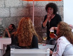 Relaxing time (Franco DAlbao) Tags: music bar lumix chat friendship meeting sharing leisure msica ocio amistad humans charla humanos reunin compartir leicalens dalbao francodalbao