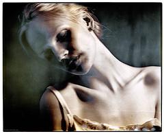 recuperate (pixelwelten) Tags: portrait art analog mediumformat kunst hamburg sensual nah analogue delicate intimate mittelformat nachhaltig rüdigerbeckmann beyondvanity jenseitsvoneitelkeit