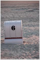 6 (Dit is Suzanne) Tags: sunset sky 6 beach strand germany zonsondergang surf number lucht duitsland borkum    views500 cijfer  img5600 strandkorf   ditissuzanne canoneos40d sigma18125mm13556 strandkorbe approximategeotag  31052009 geotagbijbenadering