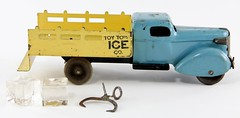 2013. Wyandotte Toy Town Ice Co. Truck