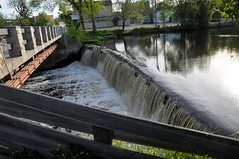 Cedarburg mill spillway (Charlotte Clarke Geier) Tags: tower water pagoda mural streetlamp library watertower traintracks churches houseboat steeple clocktower churchstreet boathouse ticketbooth windvane spillway oldarchitecture washingtonstreet streetclock tinceiling ioof memorialfountain newmooncafe timecinema railroadswingbridge oldfactorybuilding oshkoshwisconsin cedarburgmill privatelighthouse littletraindepot lakefrontmanor