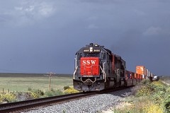 90-9-7 SSW9666W 9-00 (jhwright105) Tags: railroad newmexico sp vaughn westbound intermodal ssw goldenstateroute