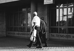 Couple (feher952) Tags: street people blackandwhite pecs canon couple hungary streetphotography bnw 700d canon700d t5i