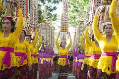 Offering (Theo Widharto - sheko) Tags: bali culture
