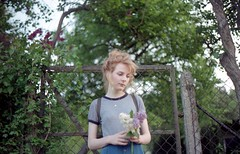 In Summer   On Fields III (Sail to England) Tags: flowers plants sunlight girl analog iso200 kodak super redhead iso 200 yashica kodacolor fx3