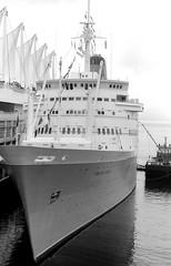 Sagafjord at Canada Place, Vancouver BC (kenyoung3) Tags: cruiseships cunard sagafjord oceanliners vancouver canadaplace