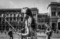 It's always selfie time! (Gian Floridia) Tags: bw time milano streetphotography tourists bn galleria preparation selfie piazzadelduomo bienne porticisettentrionali