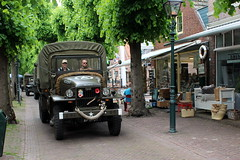 1943 G.M.C. CCKW 353 (Davydutchy) Tags: netherlands truck army ride military may nederland hobby voiture lorry vehicle frise rit heer convoy paysbas gmc friesland armee leger niederlande 353 militr reenacting lkw 2016 frysln militair frisia rondrit langweer tocht langwar kolonne cckw cckw353 poidslourd legervoertuig legergroen