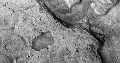 ESP_016974_1825 (UAHiRISE) Tags: mars landscape science nasa geology jpl universityofarizona mro