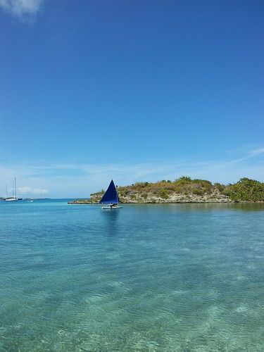 """Blue sailing at green island • <a style=""""font-size:0.8em;"""" href=""""http://www.flickr.com/photos/79371516@N00/6901576892/"""" target=""""_blank"""">View on Flickr</a>"""