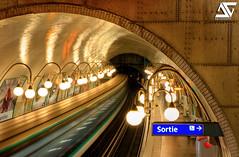 Métro Cité (A.G. Photographe) Tags: paris france subway french nikon raw cité métro ag nikkor panning hdr parisian anto d800 filé parisienne xiii parisien 2470 antoxiii agphotographe
