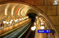 Mtro Cit (A.G. Photographe) Tags: paris france subway french nikon raw cit mtro ag nikkor fx panning hdr parisian anto d800 fil parisienne xiii parisien 2470 antoxiii hdr5raw agphotographe