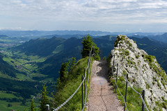 trail to Grosser Mythen . switzerland (Toni_V) Tags: schweiz switzerland suisse hiking trail 2012 schwyz wanderung wanderweg summiluxm grossermythen 120707 toniv leicam9 l1007930