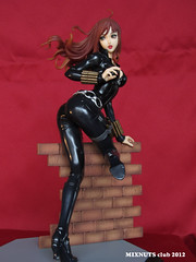 BLACK WIDOW Covert Ops Ver. 019 (mixnuts club) Tags: statue fetish comics gun bondage figure spy heroine blackwidow spygirl secretagent rubbersuits