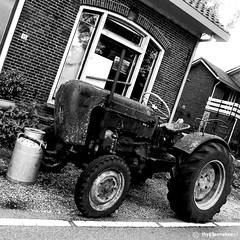 Tractor (Thijs Tennekes) Tags: road old tractor milk rust farm steel transport july vehicle farmer corrosion 2012 thijs oudewater hekendorp thys olttimer agrimotor tennekes