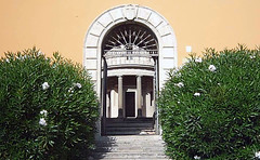 Bramante's Tempietto, courtyard archway and gate