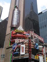 Hershey's Building '12 (krisjaus) Tags: newyorkcity newyork hershey sienfeld davidletterman edsullivan thelateshow sisteract thesoupnazi ravensymonee