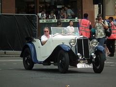 1933 Lanchester LA10 Tourer #3 (kenjonbro) Tags: uk blue white london sports westminster square cream trafalgar trafalgarsquare charingcross daimler 1933 sw1 roadster tourer lanchester la10 kenjonbro fujifilmfinepixhs10 1141cc 974uxc chassisnumber17613 enginenumber61216