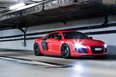 Carbon Matte Red (Keno Zache) Tags: auto red black rot canon matt eos power wheels automotive carbon audi luxury rare exhaust r8 keno sportwagen 400d zache