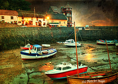 Tide's out! (PhotoArt Images) Tags: england boats boat explore woodenboat photoart lynmouth fishingvillage tidesout photoartimages