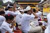 Nyegara Gunung Zeremonie beim Tempel Pura Ulun Danu Bratan in Candikuning (Bedugul) (Poxxel) Tags: bali indonesia asien indonesien 2012 bedugul candikuning baturiti