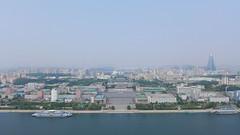 Kim Il-Sung Square (Daniel Brennwald) Tags: panorama korea northkorea pyongyang dprk juche nordkorea kimilsungsquare juchetower pjngjang