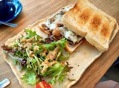 Mushroom Sandwich (Yukkuriko) Tags: food breakfast essen singapore singapur frhstck novena bearbeitet thecluelessgoat